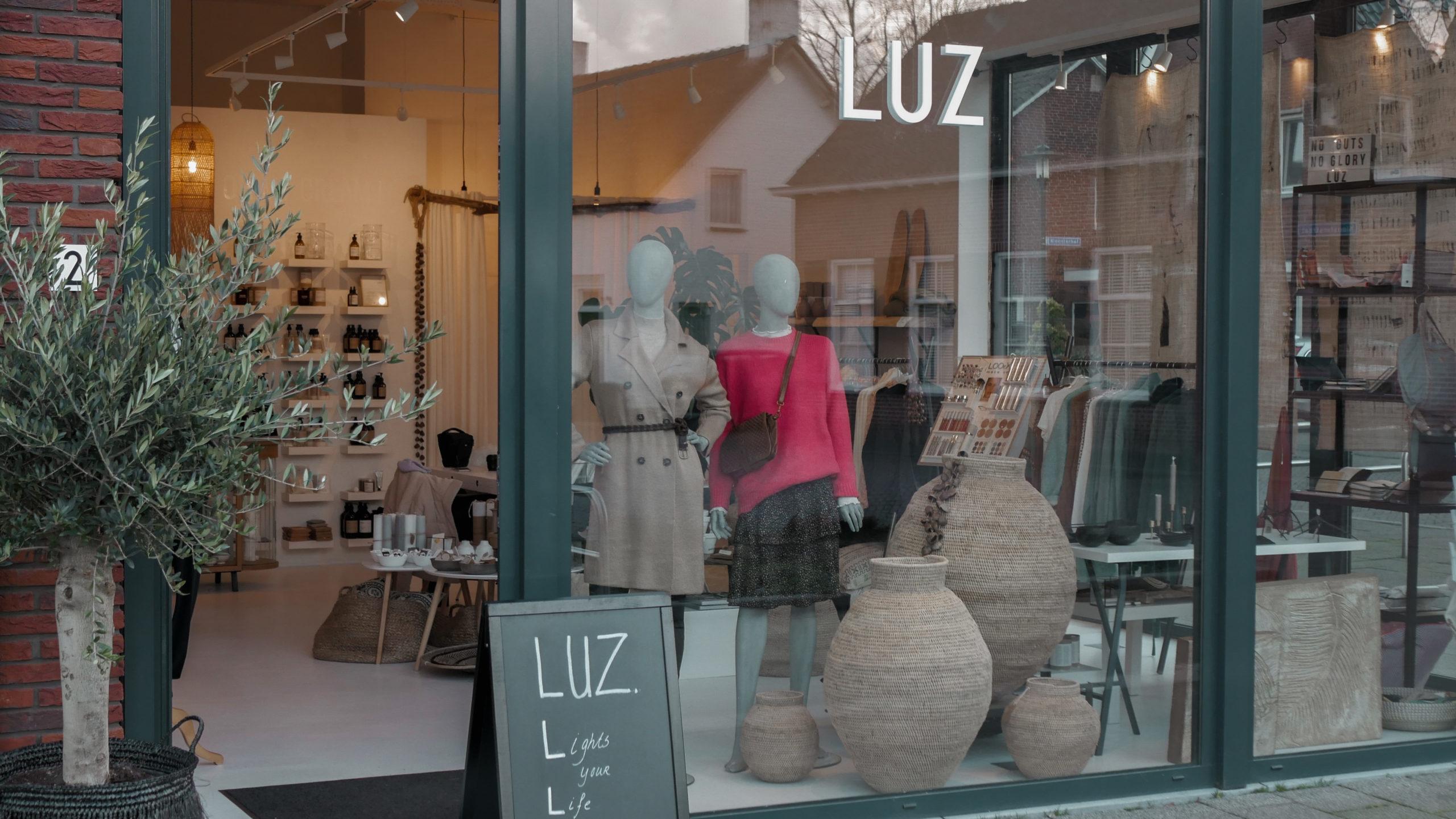 Bij Luzstudio vind je een totaalconcept om jouw vrouwelijkheid kracht bij te zetten